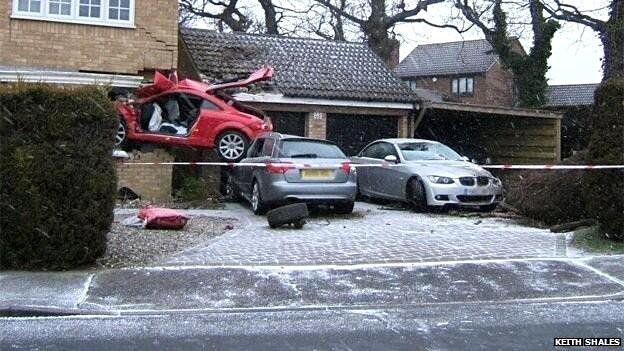 Red Audi TT that crashed into a house in uk-4
