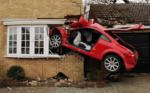 Red Audi TT that crashed into a house in uk-5