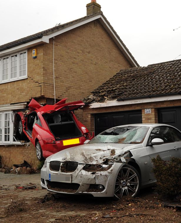 Red Audi TT that crashed into a house in uk