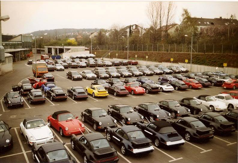 This is the parking next to the Porsche factory in Stuttgart. (still is there on the same location). Look in the back and you see the Mercedes E 500 parked there.