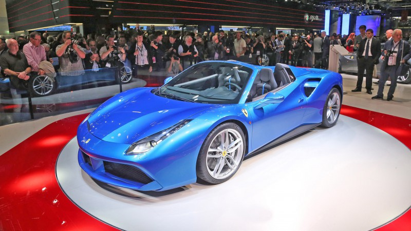 ferrari-488-spider-blue